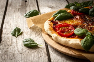41072923 - a taste of italy in the pizza margherita