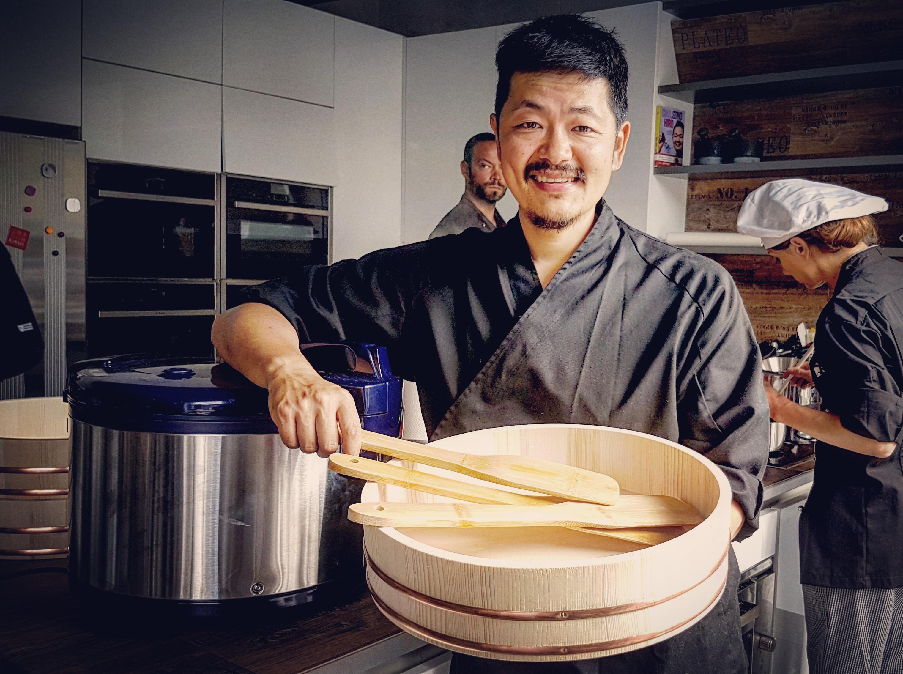 Master japan corso professionale di cucina giapponese con for Corso di cucina giapponese